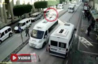 Adana'da trafik kazaları MOBESE'de