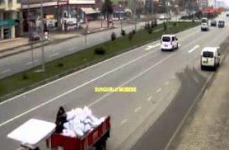 Çorum'daki trafik kazaları mobese kamerasında video