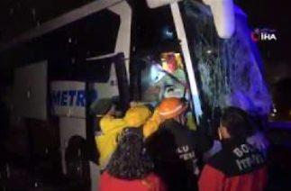 Bolu TEM'de Zincirleme Trafik Kazası: 1 Ölü 19 Yaralı