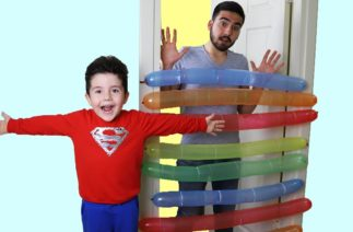 Komik Balonlar! Yusuf playing with Funny Balloons   Funny Kids Video