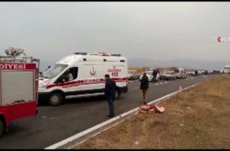 Bitlis'te trafik kazası: 3 ölü 9 yaralı