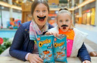 Melisa Babasını Dinlemedi Cheetos Cips Yedi Bıyıkları Çıktı.Melisa Çok Komik Oldu