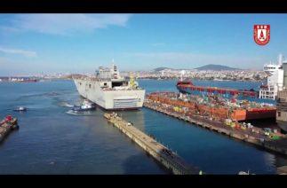 Türkiye'nin en büyük savaş gemisi TCG Anadolu cep rıhtımına çekildi