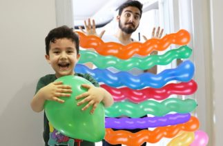 Yusuf plays with Balloons | Komik Balon Hikayesi