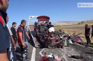 Nişan dönüşü trafik kazası: 5 ölü