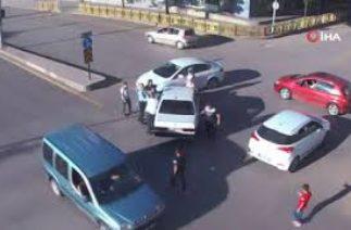 Erzurum'da trafik kazaları kameralara böyle yansıdı