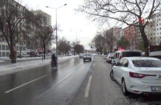 Kayseri'de Trafik Kazası, Otomobil Yayalara Çarptı: 1 Ölü, 2 Yaralı