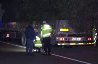 Park Halindeki Kamyona Çarpan Motor Sürücüsü Hayatını Kaybetti