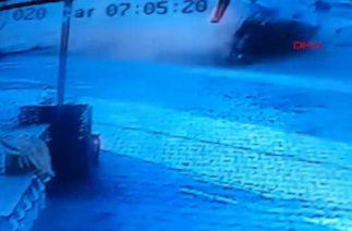Silivri'de feci kaza; otomobilin öğrencilere çarpma anı kameraya böyle yansıdı