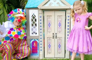 Stacy and the new playhouse with funny clown