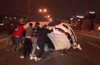 Bayramparaş'da Trafik Kazası; Otomobil Takla Atı, 1 Ağır, 4 Yaralı