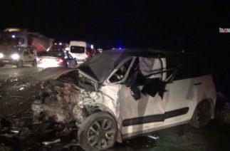 Bitlis'te trafik kazası 3 ölü 8 yaralı