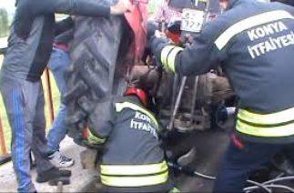 Seydişehirde Trafik Kazası Traktör Altında kalan kadını itfaiye kurtardı.