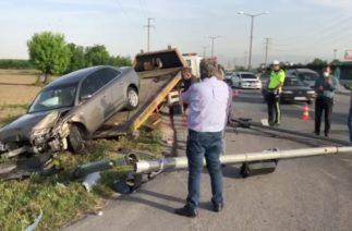 Yenikent yolunda trafik kazası – Ortalık savaş alanına döndü