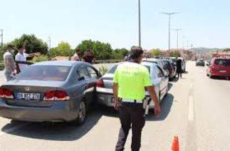 Bayram trafiğinde zincirleme trafik kazası