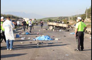 Manisa'daki Feci Kaza 3 Ölü, 10 Yaralı!