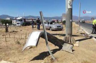 İslahiye'de Trafik Kazası, Tır Otomobili Biçti! Feci Kaza Kamerada
