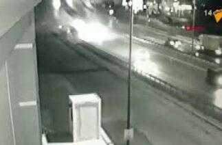 İstanbul Pendik'te meydana gelen otobüs kazası, güvenlik kamerasına yansıdı