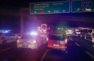 KocaeliTEM Otoyolu'nda zincirleme trafik kazası: 3 ölü 4 yaralı