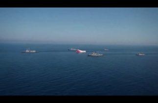 Türk Deniz Kuvvetlerine ait fırkateyn ve korvetler ORUÇ REİS'e refakat ediyor