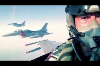Türk Milli Savunma Bakanı Akar, Ege'de F-16 ile uçuş gerçekleştirdi
