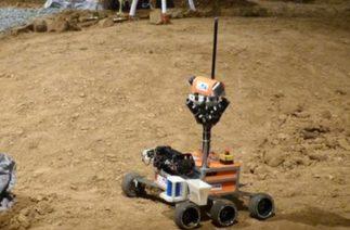 Uzay robotları hünerlerini sergiledi