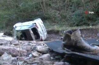 Kartepe'de Trafik Kazası, Otomobil 50 Metreden Dereye Uçtu