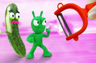 PEA PEA Rescues Cucumber From Scraper | Stop Motion Funny Handmade Cartoon