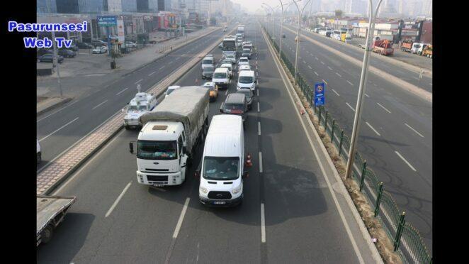 Diyarbakır'da kısıtlamada bomboş yolda trafik kazası