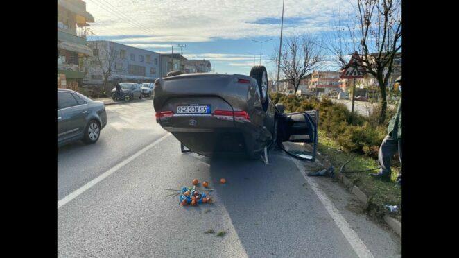 Samsun'da trafik kazası! Otomobil kamyona çarptı