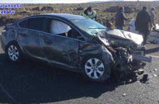 Diyarbakır'da iki otomobil kafa kafaya çarpıştı, 1'i ağır 5 yaralı