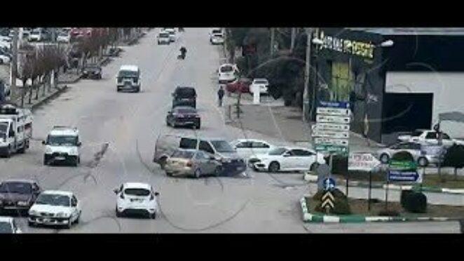 Osmaniye'Deki Trafik Kazaları Kameralara Yansıdı 5 Ocak 2021 8Gunhaber 1