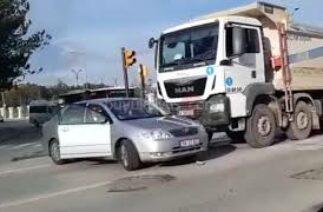 Sivas Millet Bahçesi Önündeki Kavşakta Trafik Kazası