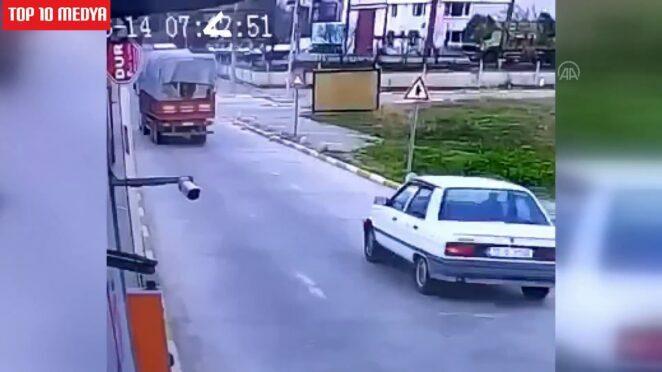 Balıkesir'de meydana gelen trafik kazasında 1 kişi hayatını kaybetti.