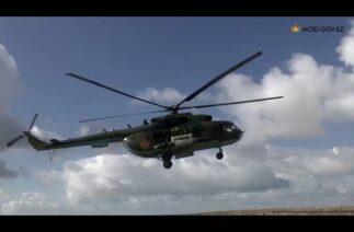 Kazakistan, Akdağ'da (Aktau) 700'den fazla asker, 80'e yakın askeri araç ile tatbikat icra etti