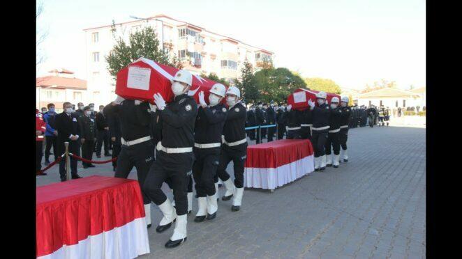 Trafik Kazasında vefat eden polis memurları memleketlerine uğurlandı