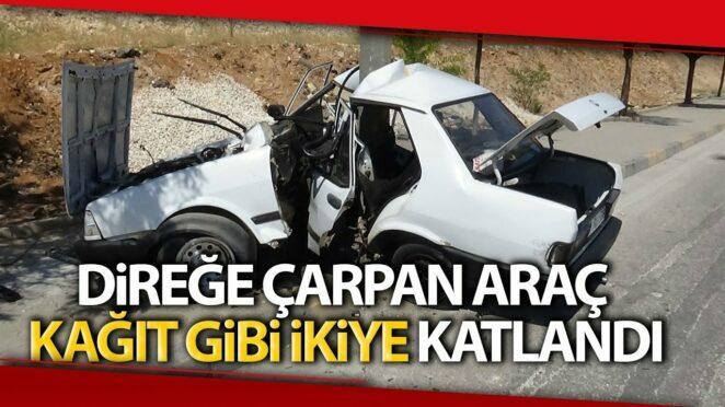 Gaziantep'te Trafik Kazası, Direğe Çarpan Araç Kağıt Gibi İkiye Katlandı