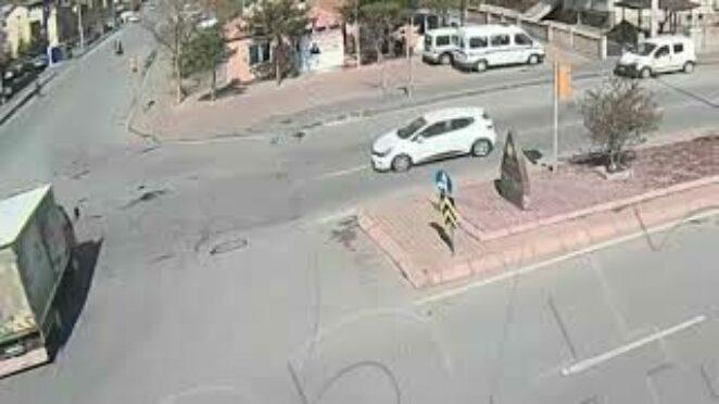 Mobeselere Yansıyan Trafik Kazası 5 – Kayseri Kaza Videosu
